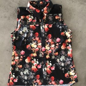 Oasis sleeveless floral blouse